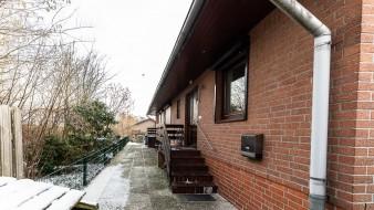 Großzügiges Doppelhaus mit vier Wohneinheiten in ruhiger Lage