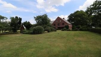 Großes Bauernhaus mit 2 Wohneinheiten und Ausbaureserve nahe Hamburg (Hemdingen) zu verkaufen