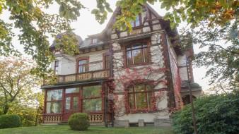 Rellingen! 2-Zimmer-Wohnung in wunderschöner, denkmalgeschützter Altbauvilla